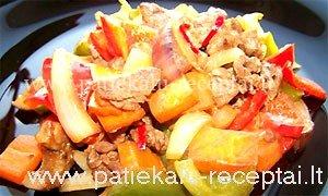 Jautienos salotos su keptomis daržovėmis.jpg