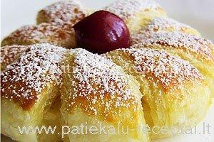 ananasiniai pyrageliai