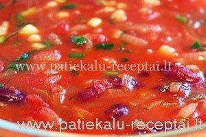 astri pomidoru sriuba su pupelemis
