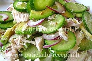 avokado ir agurku salotos su vistiena