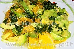 avokado salotos su apelsinais.jpg