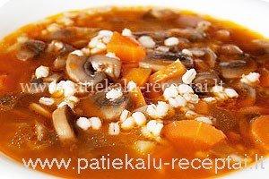 grybu sriuba su perlinemis kruopomis