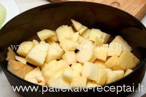 jautienos kepeneles su obuoliais 1