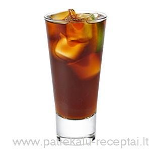 kokteilis brandy cola