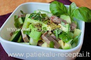 liezuvio salotos su avokadu