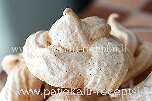 morengai su pistacijomis