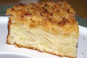 obuoliu pyragas su trupiniais