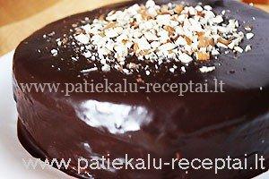 riesutinis tortas 1