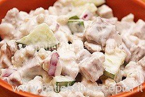 salotos su jautiena ir perlinemis kruopomis