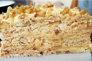 tortas su graikiskais riesutais