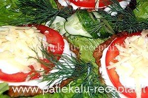 vistienos kepsneliai su pomidoru